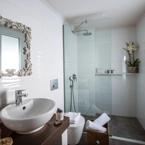 Superior Apartment Bathroom